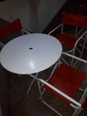 Vendo juego de 4 mesas y 9 sillas de jardin perfecto para