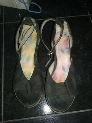 Vendo sandalias negras