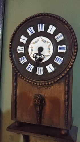 Reloj De Pared Muy Antiguo Funciona