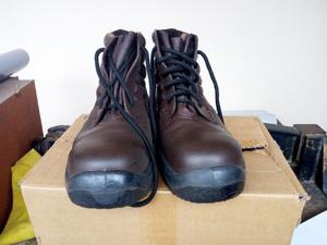 Zapato de Seguridad Marca Ombu Talle 43