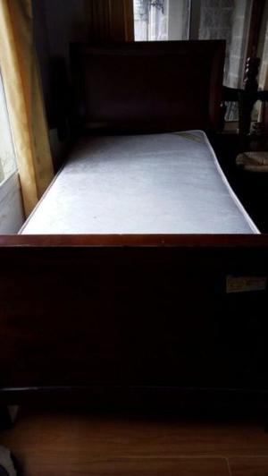 Cama de madera masisa 1 plaza y media con colchon