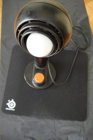 Lámpara para escritorio con imán