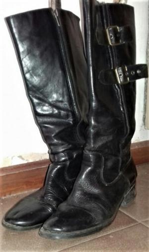 Botas negras de cuero N° 37