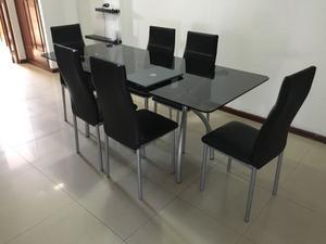 Mesa vidrio y sillas