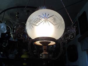 Antigua y bella lámpara colgante. Antigua Saudade