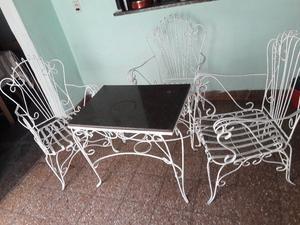 Juego de sillones antiguos y mesa de marmol