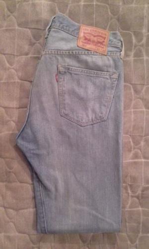 4 - Jeans Levis