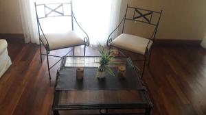 Mesa ratona de hierro c/vidrio con 2 sillones