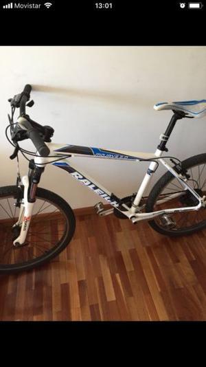 Bicicleta rodando 26 en excelente estado escucho oferta!!!