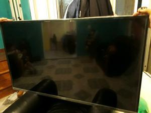 Smart tv 55 pulgadas anda en perfecto estado solo 7 meses de