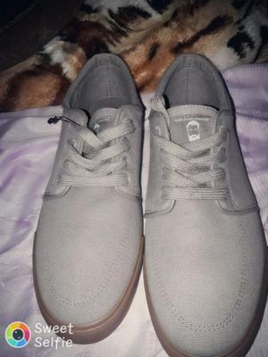 Vendo zapatillas bamers nuevas sin uso en 600