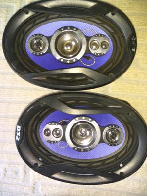 Liquido dos parlantes para auto nuevos sin uso