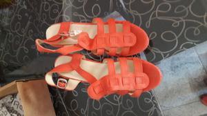 Sandalias botas usadas