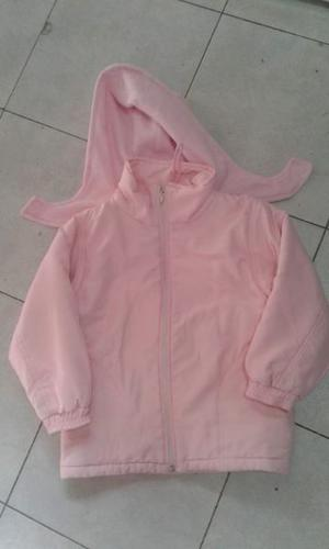 VENDO CAMPERA DE NENA COLOR ROSA, CON ESTAMPA X DETRÁS,