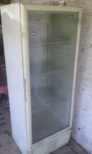 Vendo la dos heladeras una exhibidora y la otra con freezer