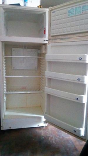***Heladera con freezer***