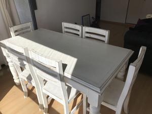 Mesa living con 6 sillas estilo vintage. Venta x mudanza