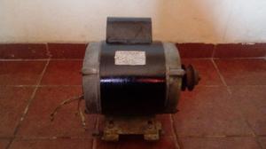 Motor de Bomba de Agua