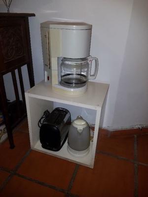 VENDO CAFETERA, PAVA ELÉCTRICA Y TOSTADORA