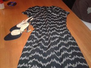 vestido formal con zapatos de cuero