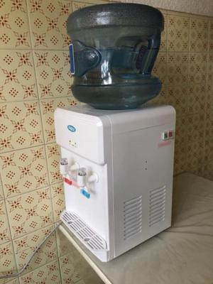 Dispenser frio calor de mesa!