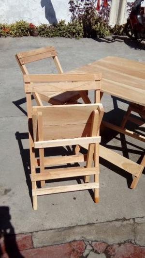 Hermoso juego de mesas y sillas