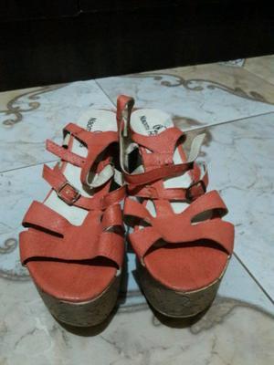 Lote de 10 pares de zapatos, panchas y sandalias de mujer