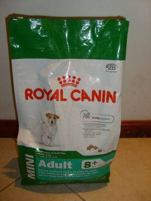 ROYAL CANIN Mini ADULT +8 X 3 KG. + Regalo a elección!