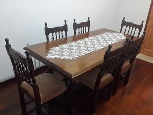 Mesa de ROBLE con 6 sillas IMPECABLE ESTADO