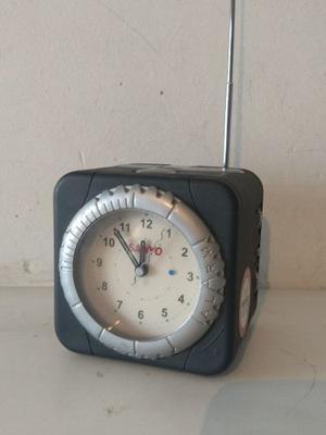 Reloj Despertador Con Radio Am Fm Subasta