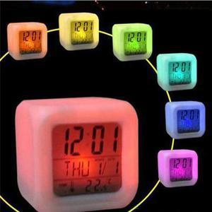 Reloj Despertador Cubo Luminoso Digital Luz Led De Colores