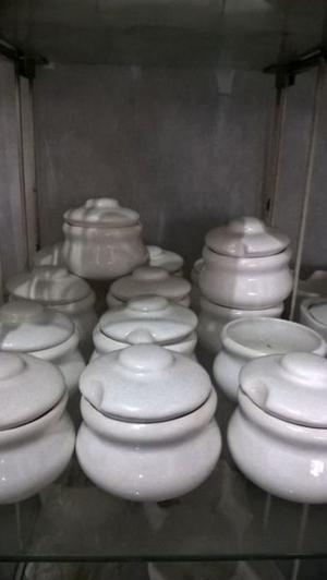 Piezas de cerámica blanca