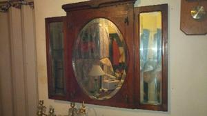 Antiguo espejo triplicó roble con percheros de bronce