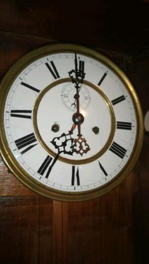 Antiguo reloj de pared vienes caja no original de roble