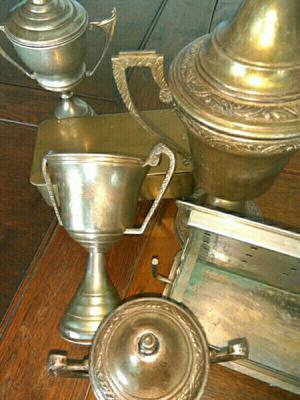 Lote de trofeos antiguos y otros $