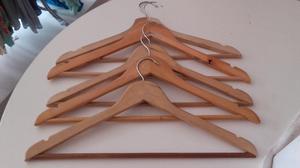 Perchas de madera usadas pack de 100 como nueva