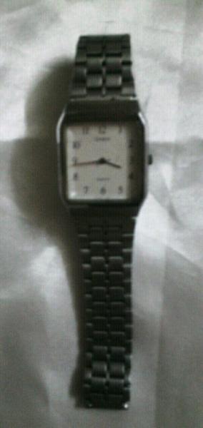 Reloj pulsera Casio original resistente al agua