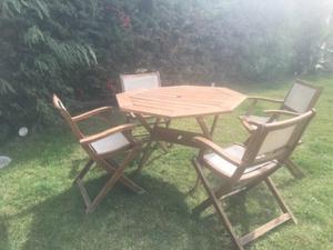 Vendó mesa y sillas madera