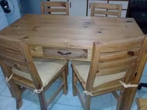 Juego de mesa con cajon 140 x 080 y 4 sillas de pino