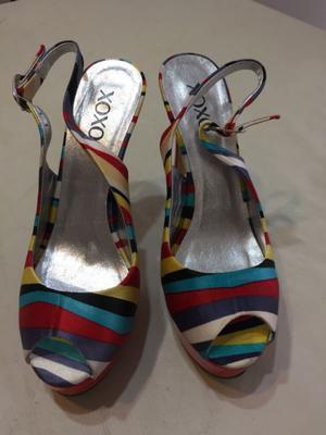 Zapato de fiesta importando excelente estado, diseño
