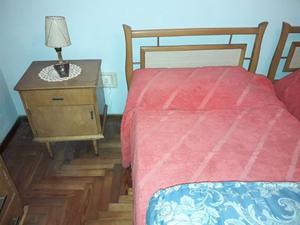 Juego Dormitorio Completo: 2 Camas, 2 Mesitas de Luz,