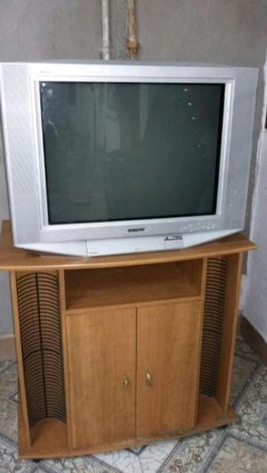 Vendo Tv 29 pulgadas pantalla plana Sony con mesa para Tv