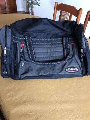 Vendo bolso de viaje sin uso.