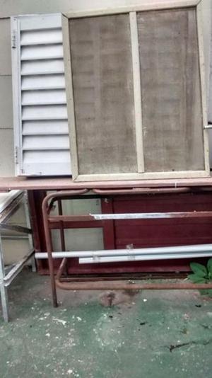 Liquido puerta y ventana de chapa con detalles - Tel.