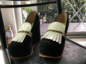 Zapatos de gamuza y charol
