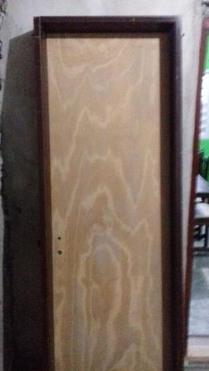 vendo puerta de pino nueva
