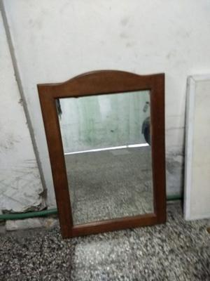 Espejo con marco de algarrobo usado
