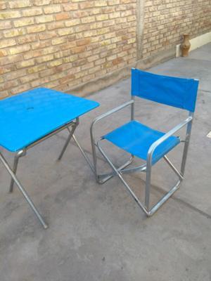 Juego de mesas y sillas plegables