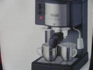 MAQUINA DE CAFE EXPRESO Y CAPUCHINO