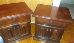 Mesas de luz o mesa de noche de Algarrobo con puertas y